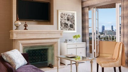 Living room | Presidential Suite West | Four Seasons Los Angeles at Beverly Hills