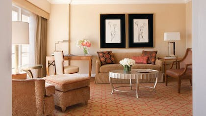 Living room | Studio Suite | Four Seasons Los Angeles at Beverly Hills