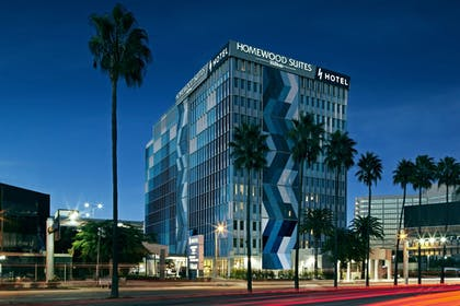 exterior .jpg | H Hotel Los Angeles, Curio Collection by Hilton