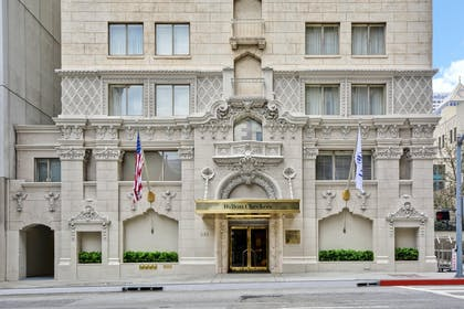 Ext from street | Hilton Checkers Los Angeles