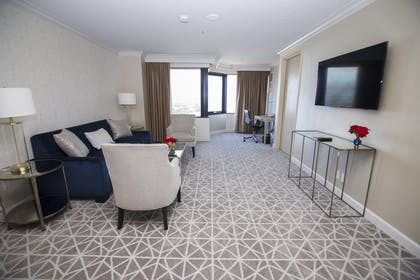 HLAUCB.jpg | 1 King Bed 1 Bedroom Suite w/ Great Views | Hilton Los Angeles-Universal City