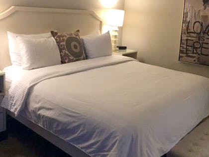 Bed | Hollywood Grand Jacuzzi Suite + Superior Room | 2 Queens | Hollywood Hotel