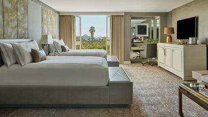Bedroom | Viceroy Studio Double Suite | L'Ermitage Beverly Hills