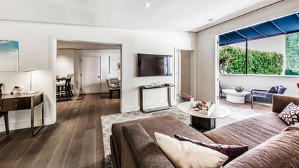 Living area   Executive Suite   Mosaic Hotel - Beverly Hills