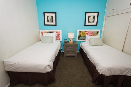 Twin Beds  | Partial Ocean View Two Bedroom Suite | Pacific Edge Hotel