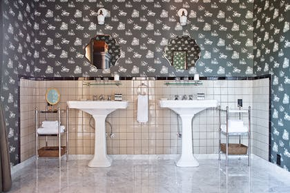Bathroom | Penthouse One | Palihouse Santa Monica
