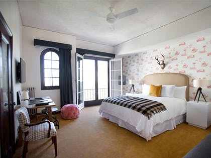 Bedroom | The Classic | Palihouse Santa Monica