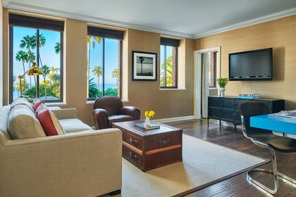 Living Room | Signature Ocean View Suite + Fairmont King | Fairmont Miramar Hotel & Bungalows