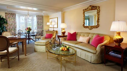 Living room | Deluxe Suite | The Peninsula Beverly Hills