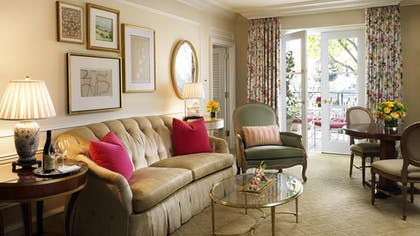 Living room | Superior Suite | The Peninsula Beverly Hills