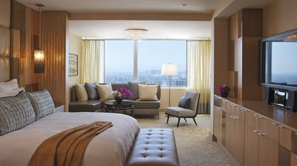 Bedroom | The Ritz-Carlton Suite | The Ritz-Carlton, Los Angeles