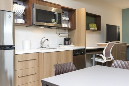 Kitchen | 1 King Bed 1 Bedroom Suite | Home2 Suites Hilton Louisville Downtown NuLu