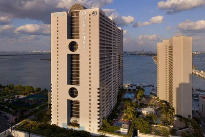 exterior.jpg | DoubleTree by Hilton Grand Hotel Biscayne Bay