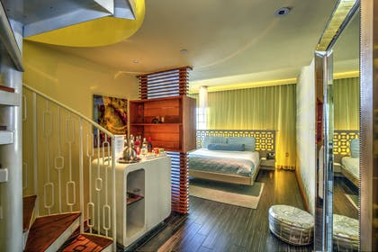 Bedroom | Platinum Sun Suite King | Dream South Beach