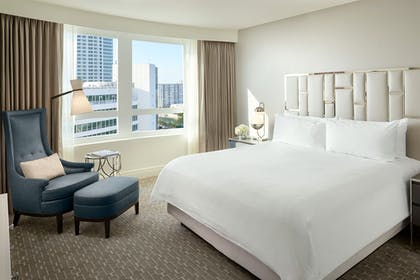 Bedroom | Bay View Junior Suite with Balcony | King | Fontainebleau Miami Beach