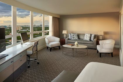 Living Room | Bay View Junior Suite | King | Fontainebleau Miami Beach