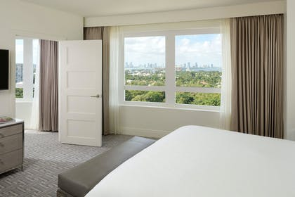 Bedroom | Executive One Bedroom Suite with Balcony | Fontainebleau Miami Beach