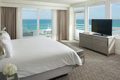 Bedroom | Oceanfront One Bedroom Suite with Balcony | Fontainebleau Miami Beach