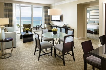 Living room | Sorrento Ocean View One Bedroom Suite | Fontainebleau Miami Beach