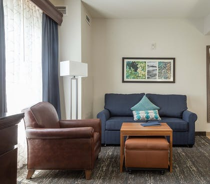 Suite Living Area | 1 King Bed 1 Bedroom Suite Non-smoking | Homewood Suites by Hilton Miami - Airport West