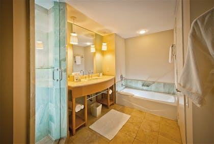 Bathroom | Deluxe One Bedroom Oceanfront Suite | Marenas Beach Resort