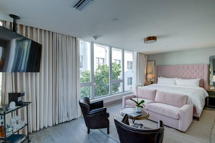 Bedroom sitting area | Two Bedroom Terrace Suite  | Plymouth Hotel Miami