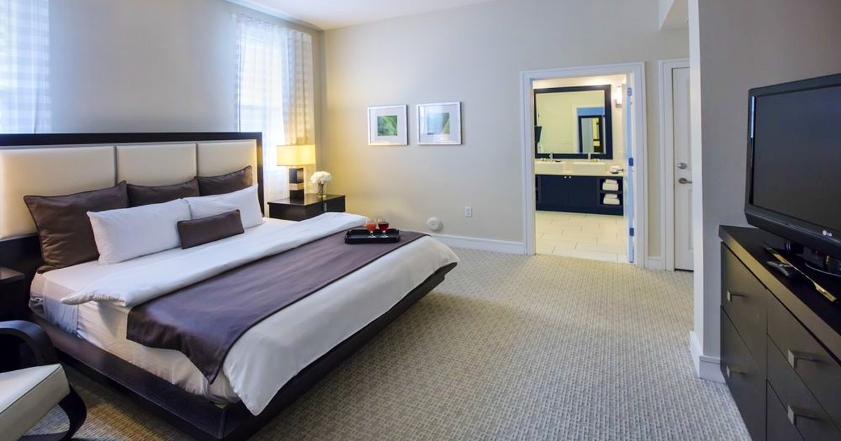 Deluxe Bedroom King Suite At Provident Doral At The Blue