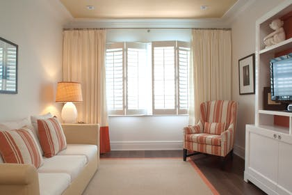 Living Room | Classic Suite Double | The Betsy - South Beach