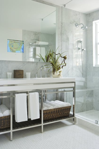 Bathroom | Superior Pool View King Suite | The Betsy - South Beach