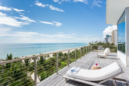 Balcony Loungers | Bungalow Penthouse | The Miami Beach EDITION