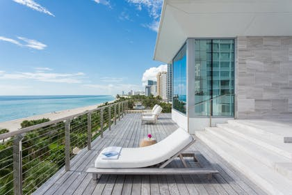 Balcony Views | Bungalow Penthouse | The Miami Beach EDITION