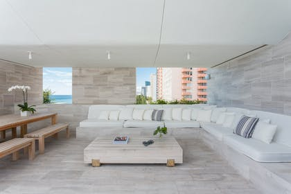 Furnished Balcony | Bungalow Penthouse | The Miami Beach EDITION