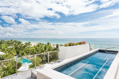 Pool Deck | Bungalow Penthouse | The Miami Beach EDITION