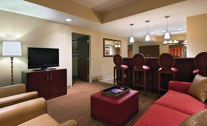 08e8d389_z.jpg | 2 Room Special Suite - 1 King Bed | Embassy Suites by Hilton Nashville SE Murfreesboro