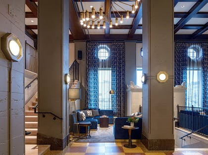 Lobby Seating | Holston House Nashville