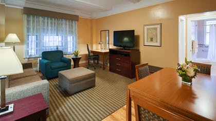 Living Room 2 | One Bedroom Apartment Suite | King | Best Western Plus Hospitality House