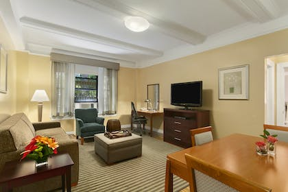 Living Room | One Bedroom Apartment Suite | King | Best Western Plus Hospitality House