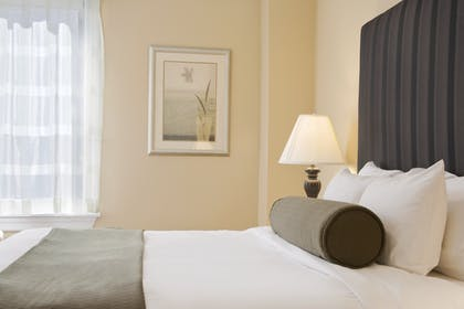 Queen Bed | One Bedroom Apartment Suite | Queen | Best Western Plus Hospitality House
