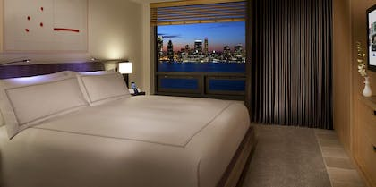 Bedroom | Hudson River View Suite with One King Bed | Conrad New York