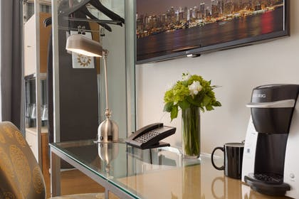 Work Desk | Elan Penthouse Suite | Executive Hotel Le Soleil New York