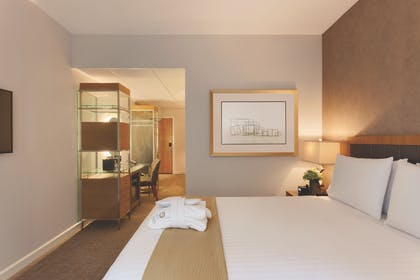 Bedroom 1 | Executive Queen Suite with Sofabed | Executive Hotel Le Soleil New York