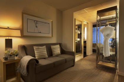 Living Room | Executive Queen Suite with Sofabed | Executive Hotel Le Soleil New York