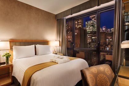 View | Executive Queen Suite with View | Executive Hotel Le Soleil New York