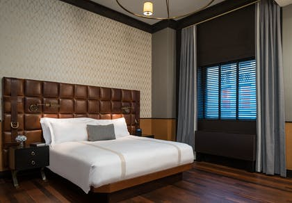 Bedroom | Penthouse Suite | Gild Hall, a Thompson Hotel