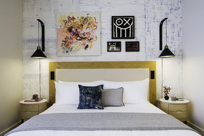 Bed | Manhattan Suite | Hotel 50 Bowery NYC