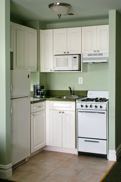 Kitchenette   Deluxe Corner Suite Two Double Beds   Hotel Beacon