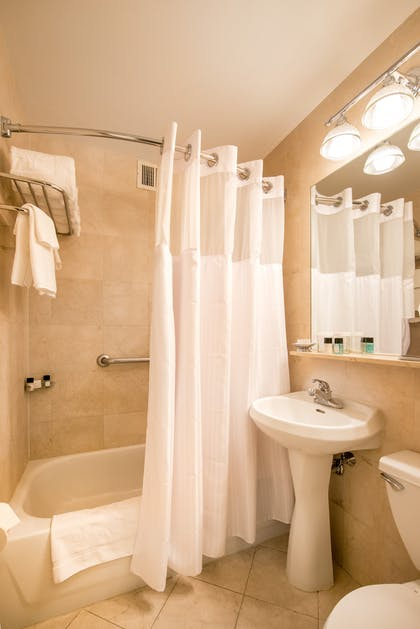 Bathroom | Standard Suite Two Double Beds | Hotel Beacon