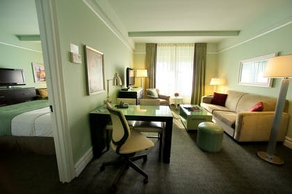 Living Room | Standard Suite Two Double Beds | Hotel Beacon