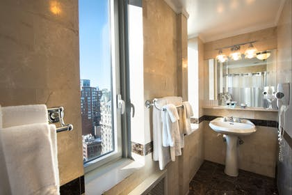 Bathroom | Two Bedroom Suite | Hotel Beacon