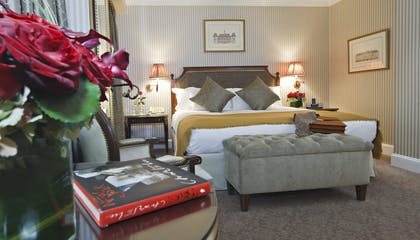 Bedroom | Two-Bedroom Suite | Hotel Plaza Athenee